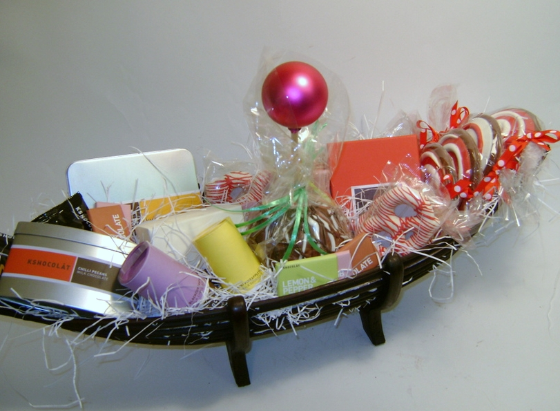 In the Present Holiday 2015 Gift Boat Basket